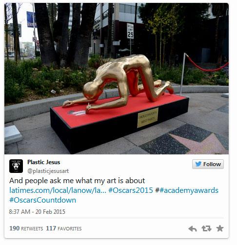 plasticjeusus-tweet  Une Statue Géante d'un Oscar Sniffant de la Coke Apparaît sur Hollywood Blvd plasticjeusus tweet
