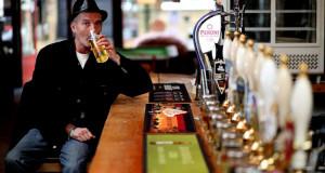 Un Alcoolique Britannique se Vois Attribuer de l'Aide Sociale Supplémentaire pour Financer sa Beuverie welfare drunk1 300x160